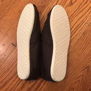 Toms Shoes - NWOT TOMS Canvas, Brown
